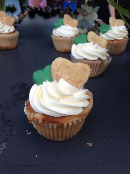 Cinnamon Mint Cupcake.  Photo by Bridal Hot List